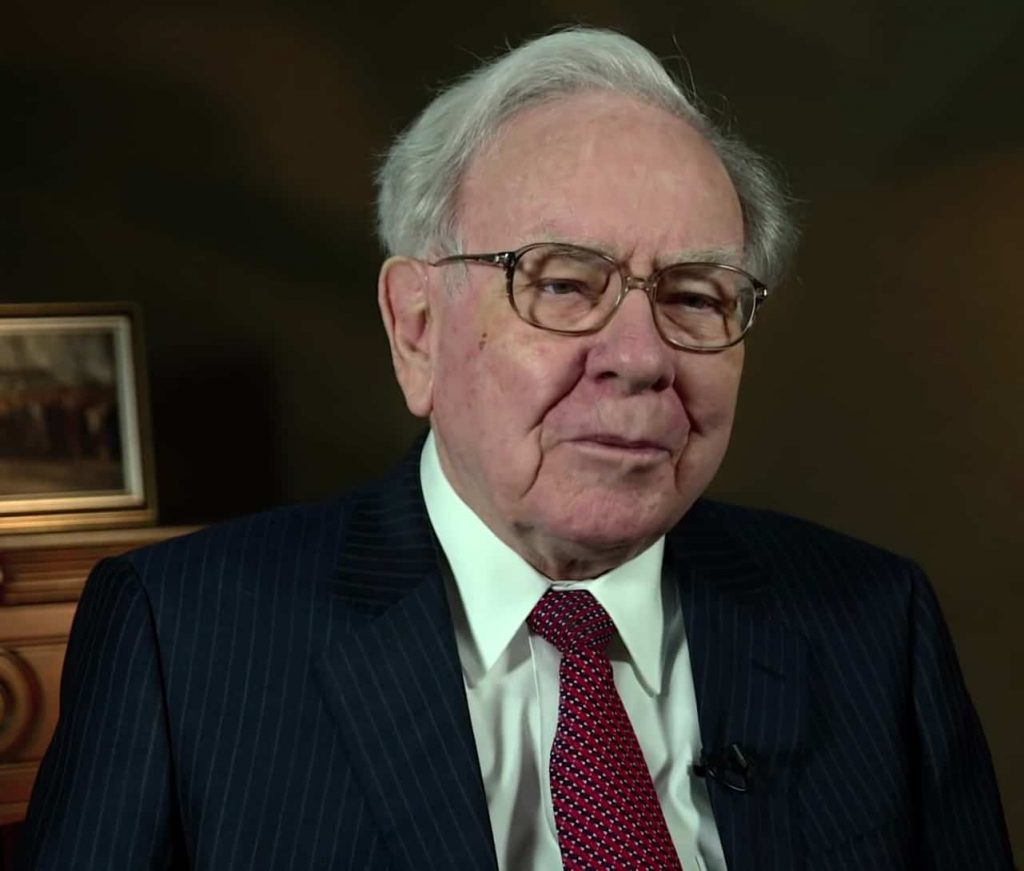 warren buffett was an introvert who became a great speaker and leader