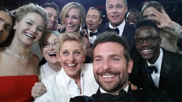 ellen's oscar selfie shows how fun and memorable a host can be