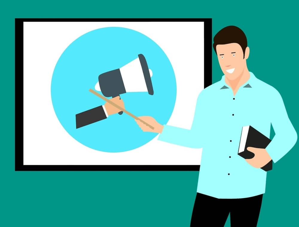 what does a public speaking coach do?
